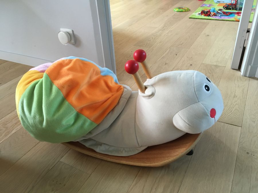 bascule-escargot-en-bois-et-molleton-2