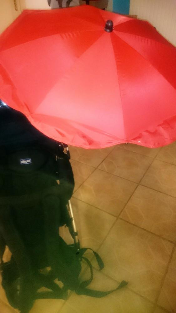 Porte-bébé randonnée caddy de Chicco avec ombrelle 49910e7e130